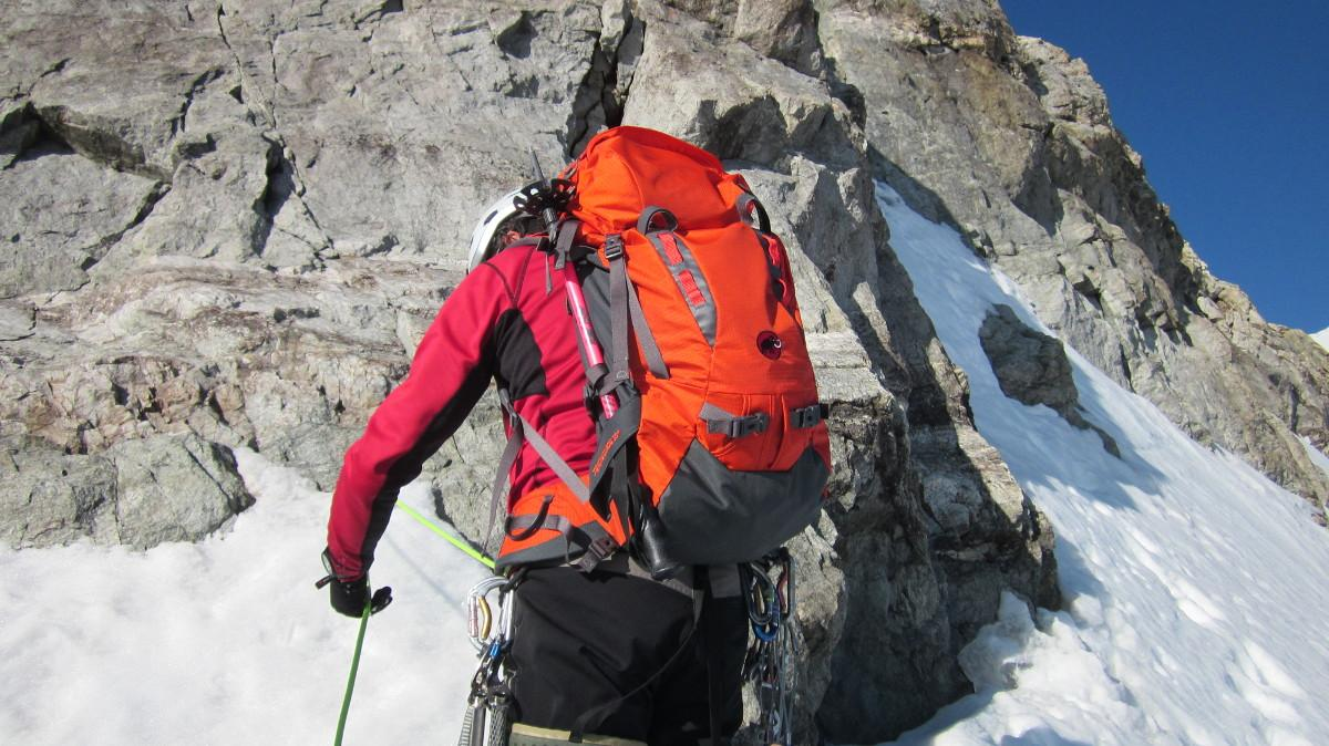 Ubic 50+10 Ski de Randonn/ée et Trekking Sac /à Dos pour Homme et Femme Millet Randonn/ée Volume Extensible 50+10 L
