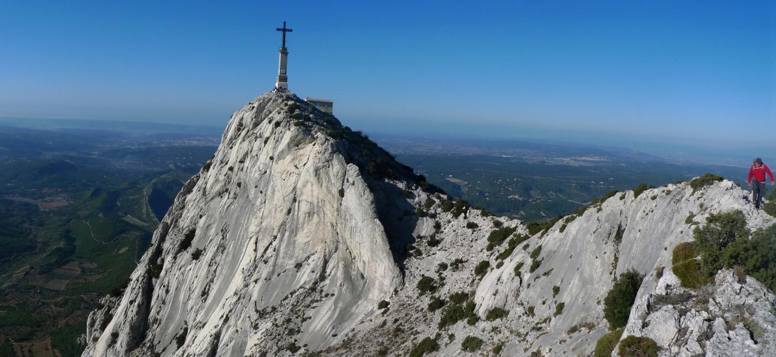 Montagne sainte victoire pic des mouches 1011m et for Croix rouge salon de provence