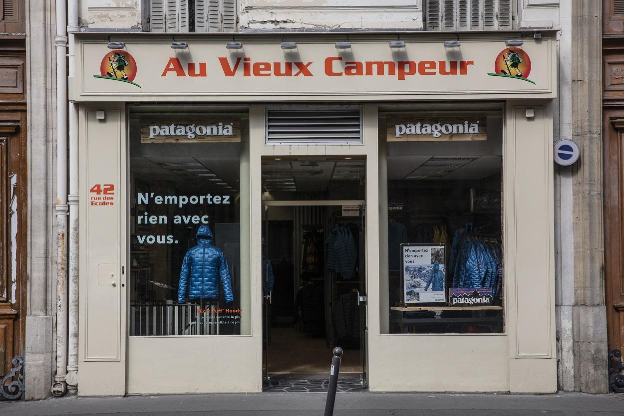S'installe Au Vieux Magasin Parisien Patagonia Campeur Du wXZPkOiTu