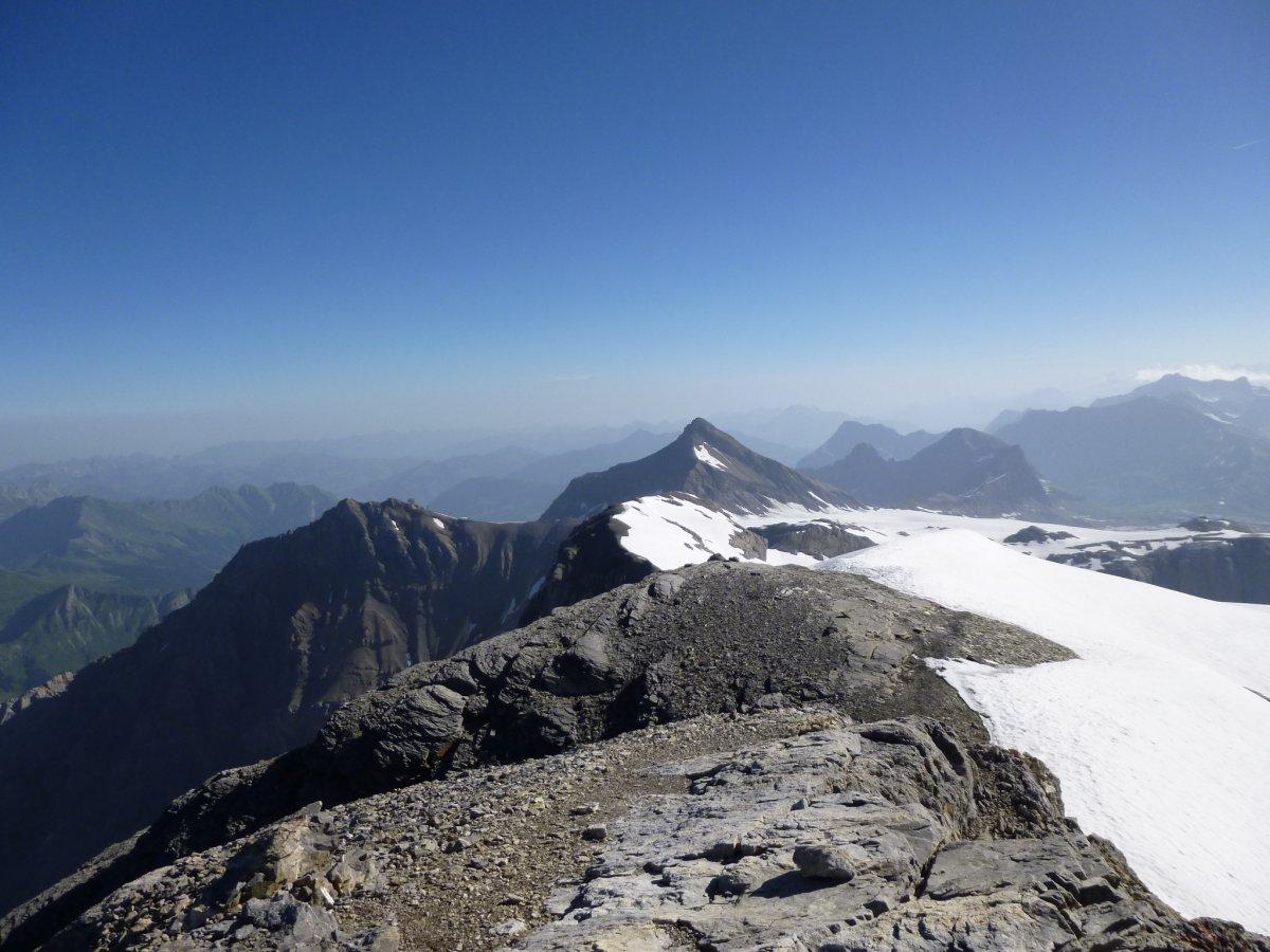 sommet des diablerets 3210m par le col du sanetsch alpinisme alpes bernoises. Black Bedroom Furniture Sets. Home Design Ideas