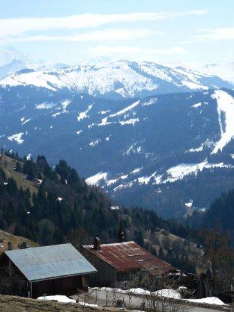 Départ de Chaucisse, face au Val d'Arly.