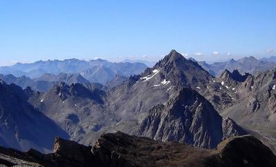 Le versant nord de la Tête de Sautron, vu depuis la Tête de la Fréma.
