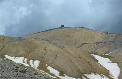 Sous le sommet du Mont Thabor.