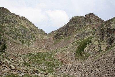 Le col vu depuis le lac de Cerise
