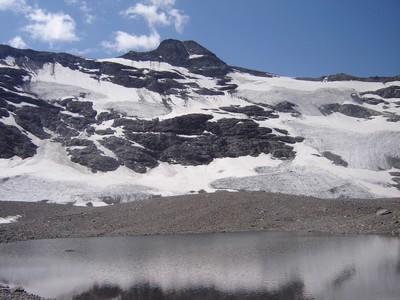 Le versant Nord de la Pointe de Méan Martin, dont le glacier se réduit  un peu plus chaque année !