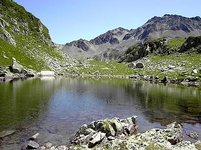 Lac supérieur de Morétan et Col de la Colombière