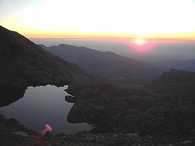 Levé de soleil sur le Lac Costa Grande