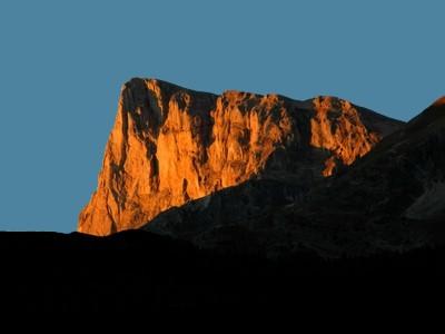 Lever de Soleil sur le Pilier Est du Pic de Bure