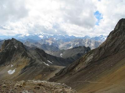 Vue sur la Clarée et les Alpes italiennes, prise du Mont Thabor.