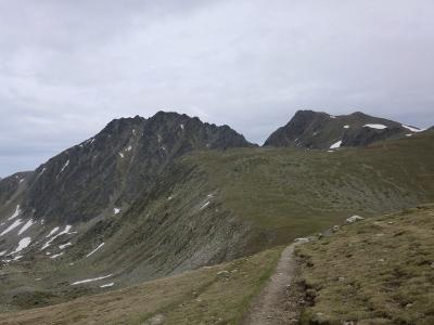 Puig Pedros à gauche et Puig de Coma d'Or à droite