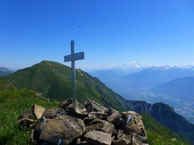 Du sommet vue sur l'Armènaz, le Mont Blanc