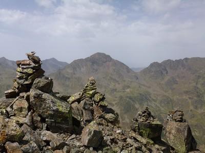Sommet du Pic de Cabayrou et ses cairns