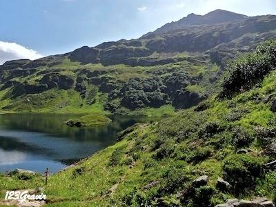 Lac et Pointe Noire de Pormenaz
