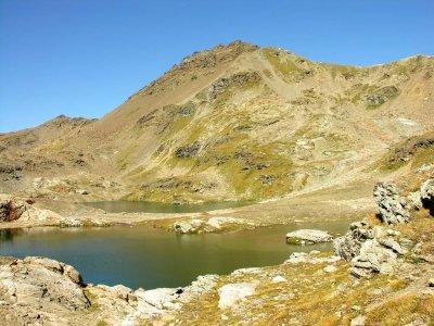 Les lacs et la pointe Verdet