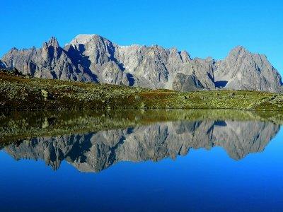 Le lac Rond et la Pointe des Cerces.