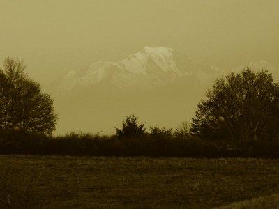 Les monts du Lyonnais et le mont Blanc.