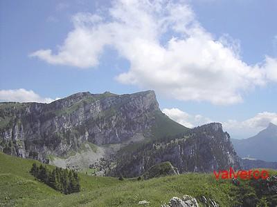 Le Grand Som et le Col de Mauvernay depuis les pentes du Petit Som