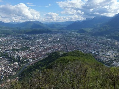 Un panorama sur Grenoble.