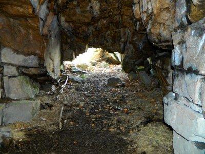 Dans la Grotte Sarrazine.