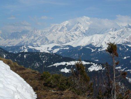 Mont-Joly et Mont-Blanc depuis la Croix Stata.