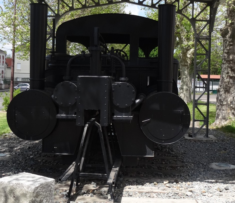 La réplique de la locomotive du Monorail.